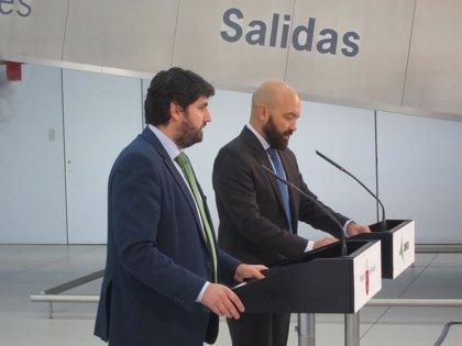 La CARM y AENA firman el contrato de gestión del Aeropuerto, que llevará presumiblemente el nombre de Juan de la Cierva