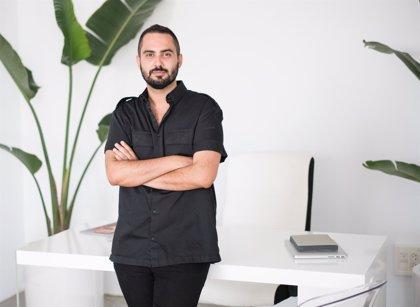 El Cendeac trae este lunes a Murcia al comisario de arte Adonay Bermúdez dentro del ciclo 'Contextos'