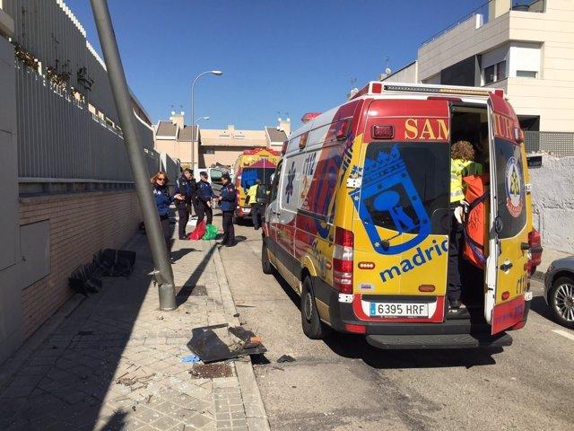 Grave un trabajador de 47 años tras quedar atrapado por su camión contra un muro