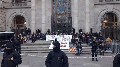 Libertad provisional para los 13 detenidos en la concentración ante el TSJC