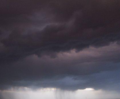 Canarias estará mañana en alerta por fuerte viento y lluvias, mientras que en CyL habrá riesgo por bajas temperaturas
