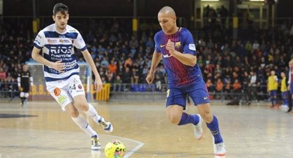 El Barcelona Lassa aprovecha el tropiezo en el último minuto de Movistar Inter