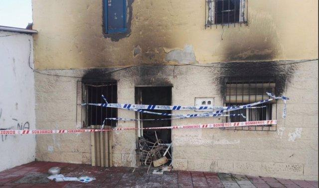 Valladolid.- Vivienda afectada por las llamas