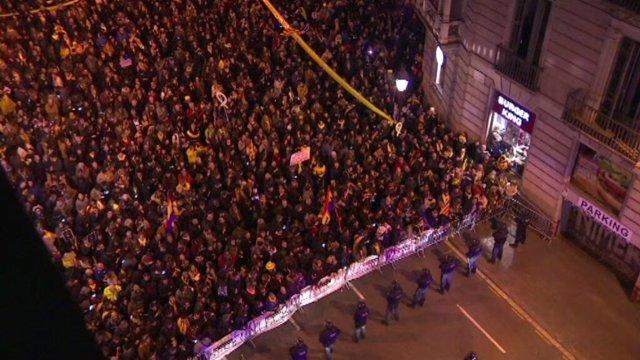 Concentración contra la presencia del Rey en Barcelona
