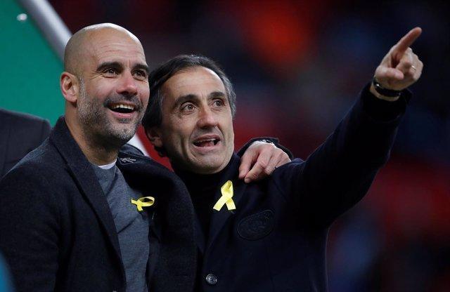 Guardiola, con el lazo amarillo en la final de Wembley