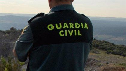 La Guardia Civil detiene en Mijas a un hombre por robo con violencia y por sustraer varios ciclomotores