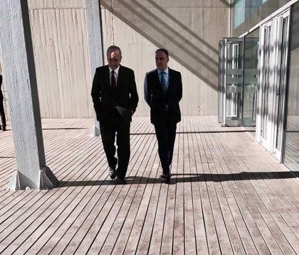 """Bendodo agradece a De la Torre que vuelva a optar a la Alcaldía: """"es un gran día, tenemos al mejor candidato posible"""""""