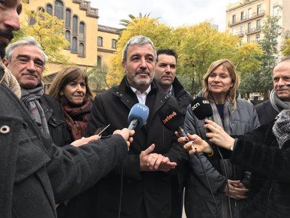 """Collboni (PSC) lamenta el """"desafortunado postureo"""" de Colau y Torrent con el Rey"""