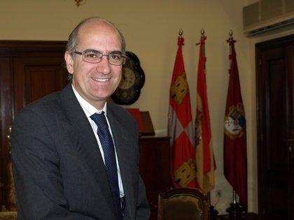 """Iglesias destaca que el autogobierno ha permitido afrontar los problemas """"reales"""" de los ciudadanos"""