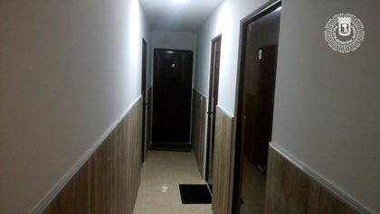 Descubren un inmueble reformado ilegalmente con 24 apartamentos, sauna, restaurante chino y 'sala de siestas'