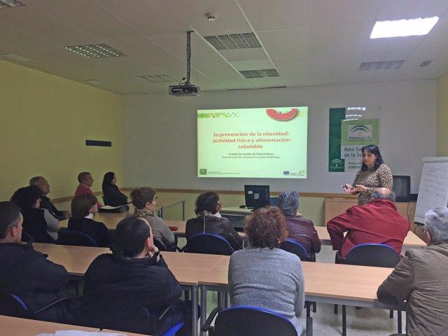 Sesión informativa sobre abordaje de sobrepeso y obesiddad