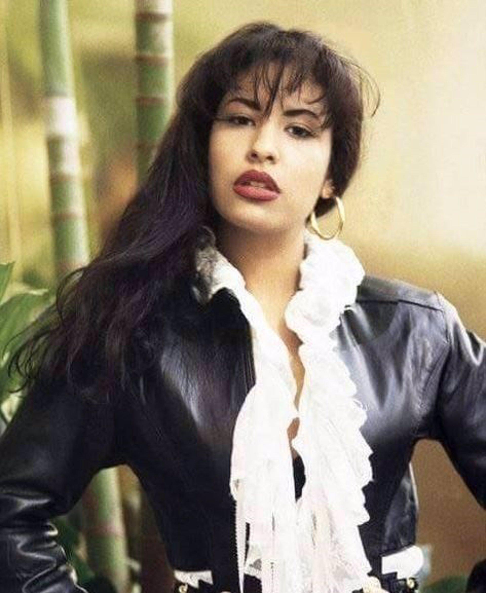 Publican Una Foto Inédita De Selena Quintanilla En Su Funeral