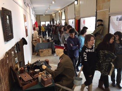 El IES Antonio Machado de Soria acoge una muestra sobre los 100 años de la Revolución Rusa