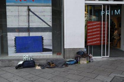 La comunidad de Sant'Egidio recoge mantas y ropa de abrigo para los 'sin techo' en Barcelona