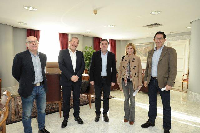 La Diputación da Coruña y Turismo de Galicia promocionan los caminos jacobeos.