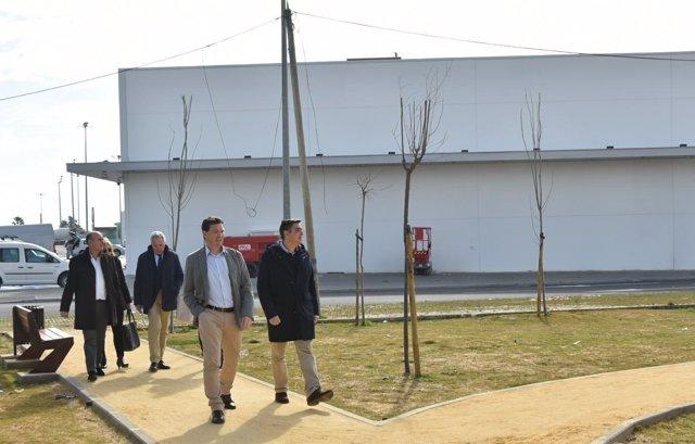 Visita al nuevo parque empresarial de Lepe.