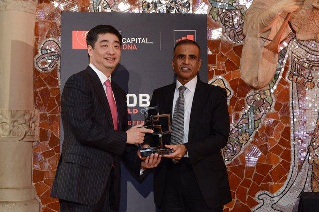 El CEO de Huawei K.Hu y el pte. De GSMA S.Bharti