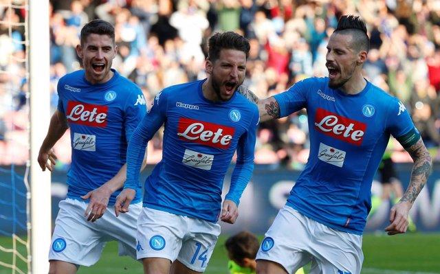 El Nápoles aguanta la presión y el Inter sigue cayendo en picado