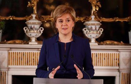 """Sturgeon advierte de que el Parlamento escocés """"no suscribirá"""" la ley del Brexit de May"""