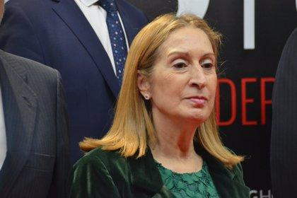 """Ana Pastor pide """"máxima colaboración"""" para que el trabajo parlamentario sea """"eficaz"""""""
