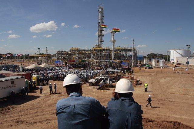 Planta de gas natural licuado de la estatal YPFB en Río Grande, Bolivia.