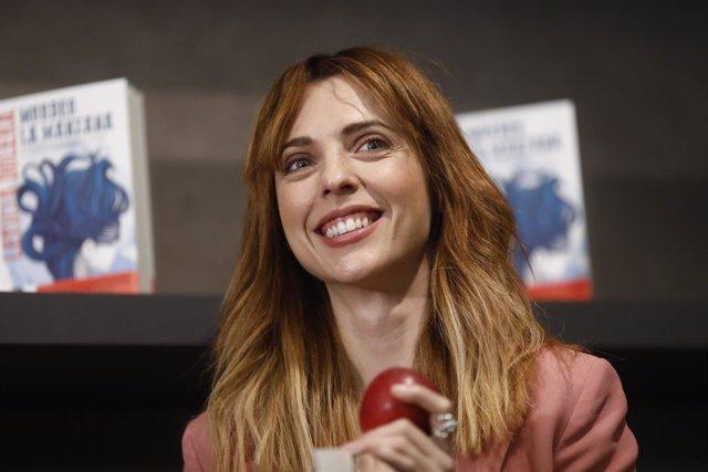La actriz Leticia Dolera presenta su libro Morder la manzana