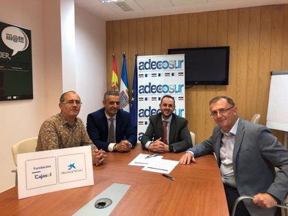 Fundación Cajasol, Obra Social 'la Caixa' y Adecosur fomentan la contratación de personas desfavorecidas