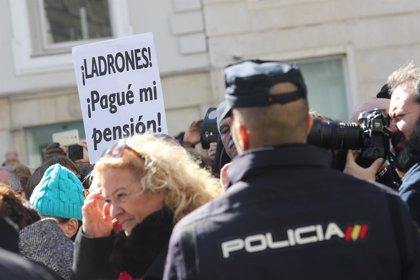 """Los pensionistas se concentran este jueves frente al Ministerio de Hacienda para """"cantar las cuarenta"""" a Montoro"""