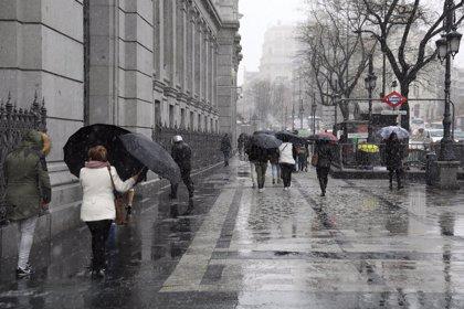 El Ayuntamiento refuerza la gestión del tráfico en hora punta hasta el viernes por previsión de precipitaciones