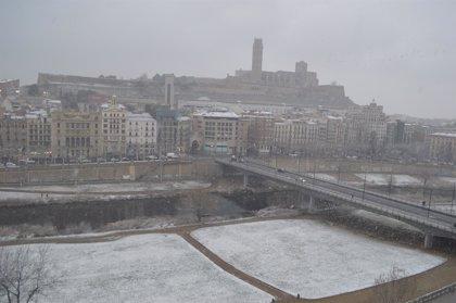 El Ayuntamiento de Lleida pide a los ancianos que limiten las salidas de casa por la nieve