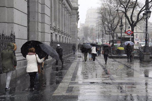 Lluvia y nieve en Madrid