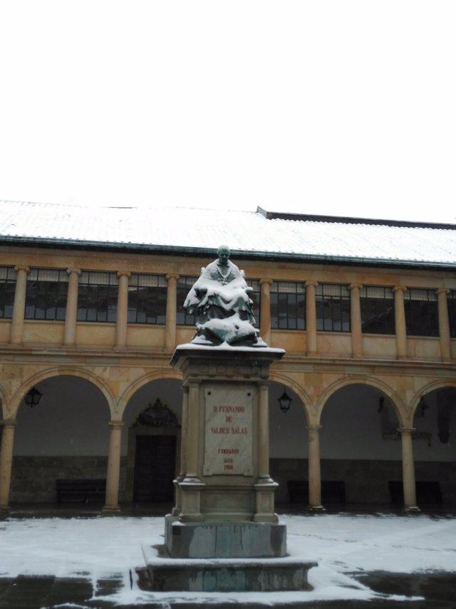 Nieve en el Edificio Histórico de la Universidad