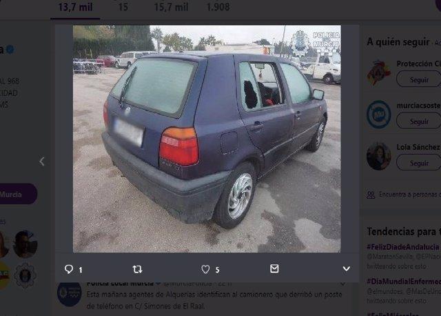 Imagen del coche con las ventanas fracturadas