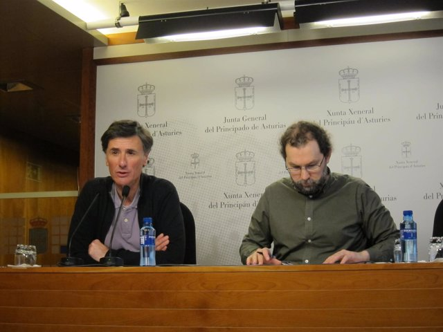 Enrique Lopez y Emilio León diputados de Podemos Asturies