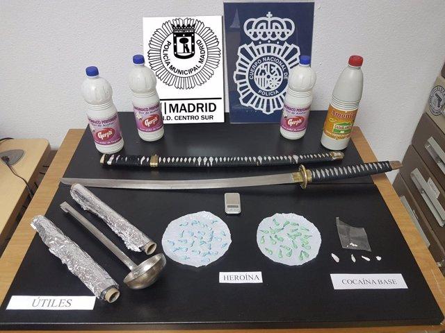 Intervención Policía Municipal De Madrid Junto Con C.N.P. Tres Detenidos Narcopi