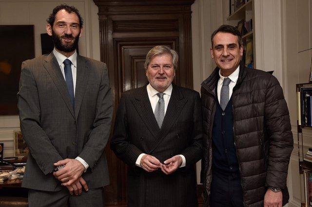 Garbajosa, Méndez de Vigo y Montero se reúnen