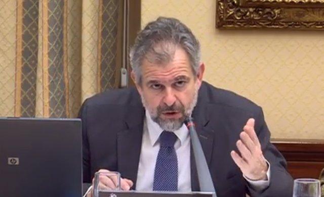 El director jurñidico de la PDLI Carlos Sánchez Almeida en el Congreso