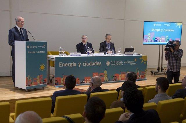 El conselleiro de Economía, Francisco Conde, en la presentación del libro
