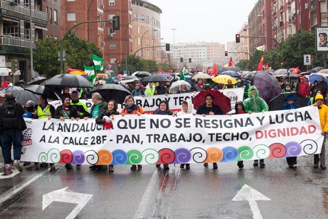 Manifestación convocada por la Marcha de la Dignidad en Sevilla por el 28F
