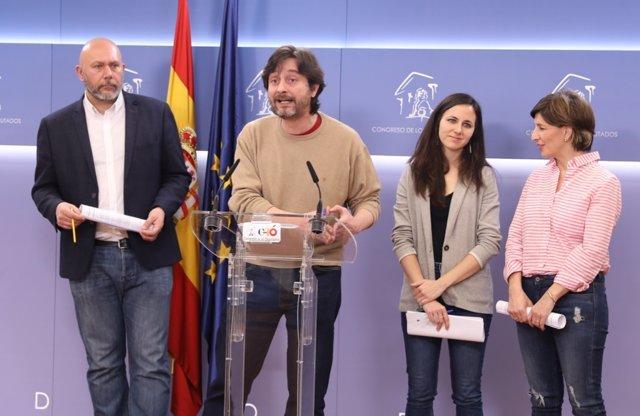 Rueda de prensa de Ricardo Sixto, Rafael Mayoral, Ione Belarra y Yolanda Díaz