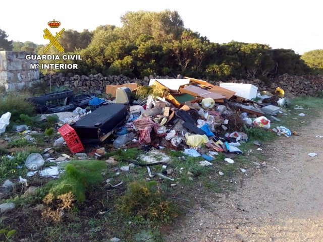 Vertedero en Menorca