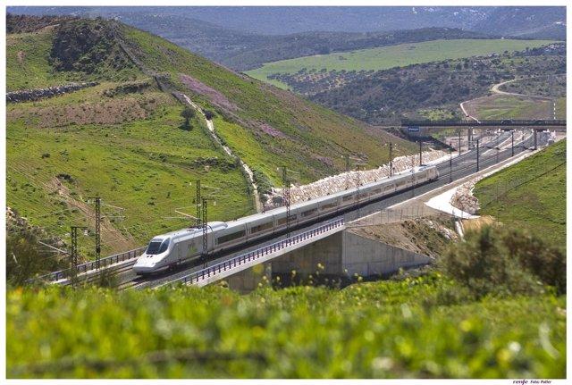 Tren AVE Málaga-MAdrid turismo ferroviario vías ferrocarril