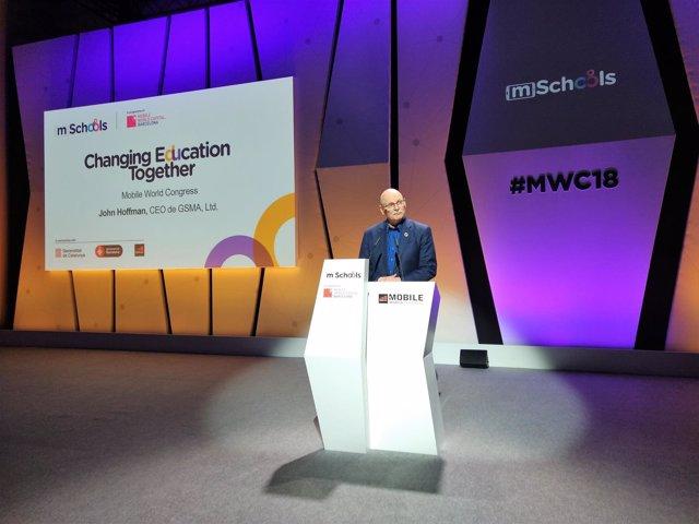 Consejero delegado de la GSMA John Hoffman en el MWC 2018