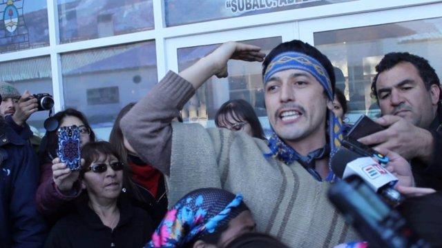 Liberan a dos mapuches