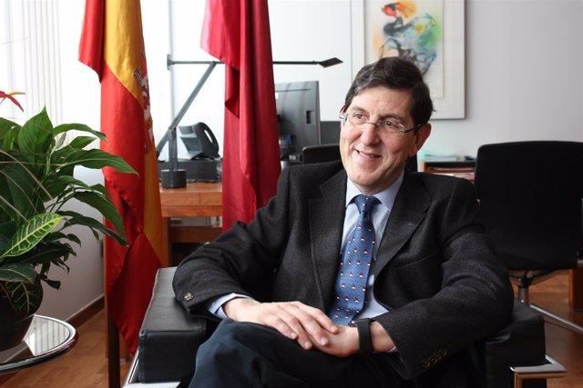 El consejero de Salud, Manuel Villegas