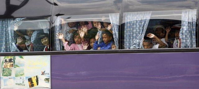 Foto de archivo de un autobús escolar de Filipinas