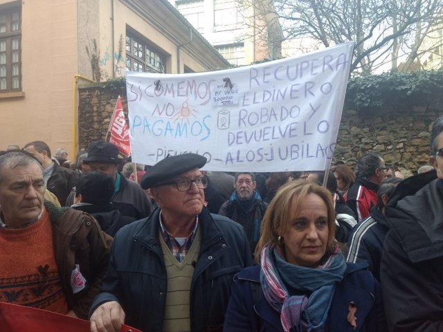 Imagen de la concentración a favor del sistema público de pensiones en Oviedo.