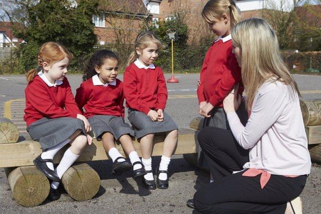 Hacer entender a los niños la necesidad de denunciar el acoso es importantisimo.
