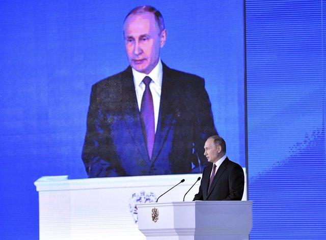 Vladimir Putin habla ante el Parlamento