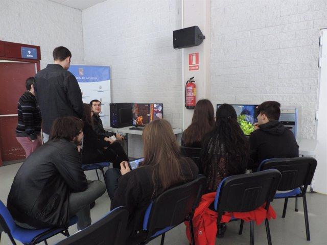 El Pabellón Moisés Ruiz acoge una jornada sobre creación de videojuegos.